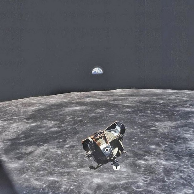 A Terra vista da Lua. Registrada pelo astronauta Michael Collins