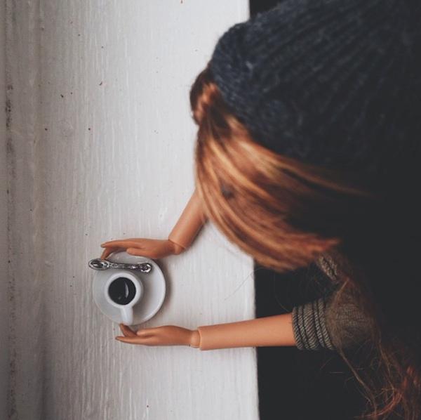 Socality_Barbie_Pokes_Fun_at_Artsy_Instagram_Photos_2015_10