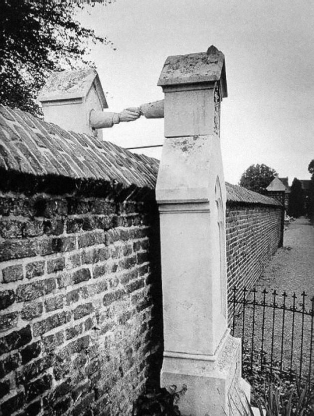 Construção que une casal protestante e católico em diferentes cemitérios na Holanda.