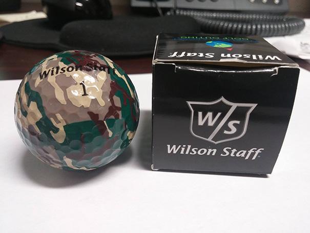 Bola de golf camuflada?