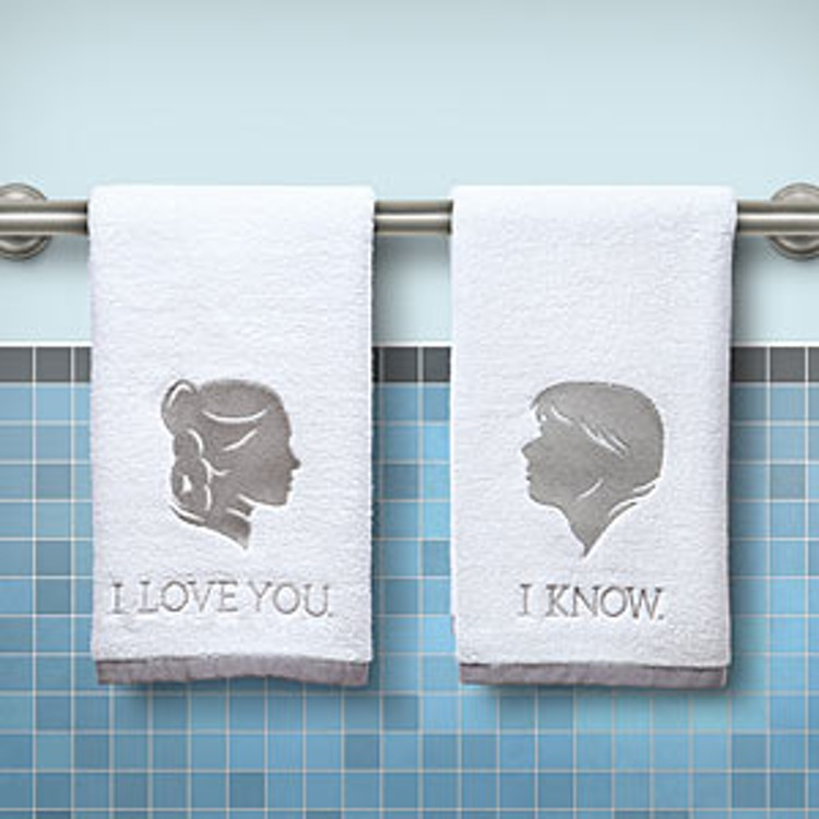http-wp-prod-02.distractify.com-wp-content-uploads-2015-10-1521_sw_han_leia_hand_towels_inuse