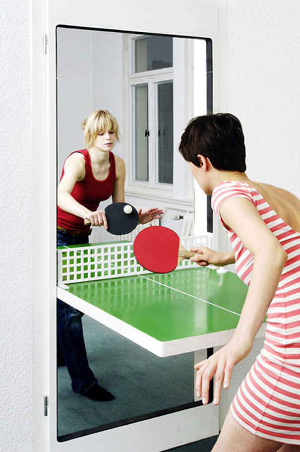 #7 - Jogue tênis de mesa na sua própria porta.