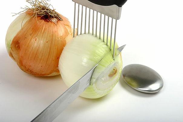 Apoiador para cortar cebola.