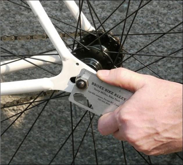 Cartão de uma loja de bicicletas.