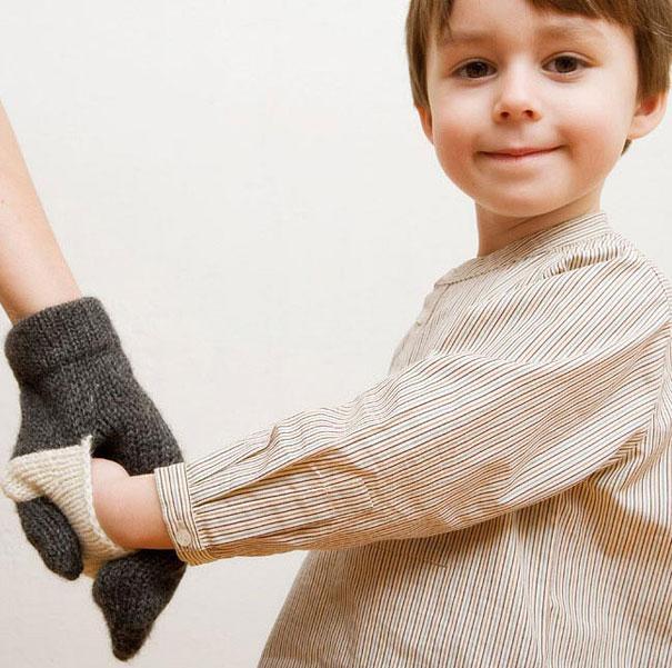 #16 - Luvas para encaixar as mãos de pais e filhos