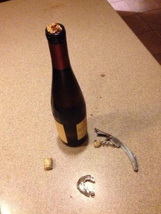#25 - Quando o abridor de vinhos destroça a rolha