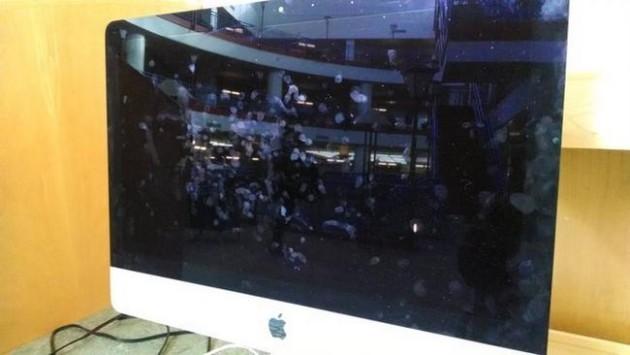 #24 - Quando as pessoas acham que seu monitor é touchscreen