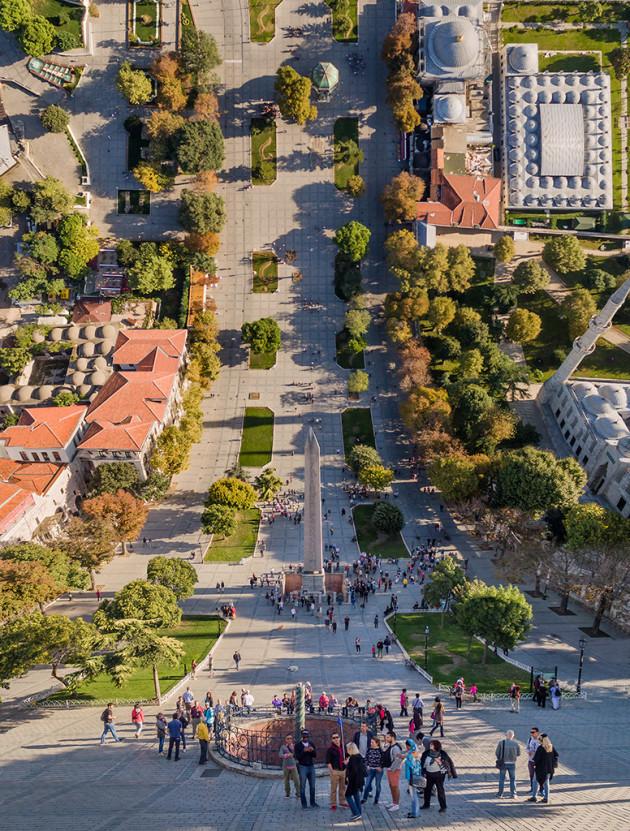 Designer manipula imagens de cidades como se elas pudessem ser dobradas 2