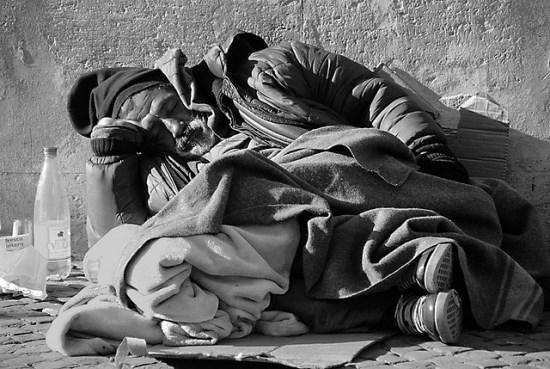 brecho-doacao-roupas-moradores-rua-frio