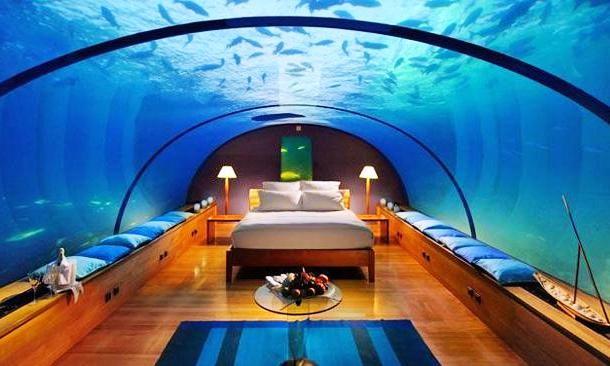 Hotel submerso nas ilhas Maldivas.