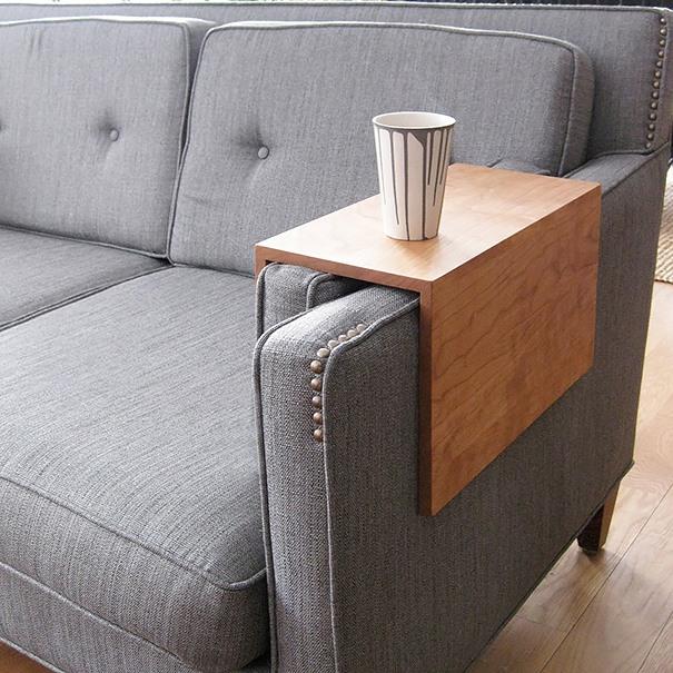 #17 - Apoiador de copos para sofá.