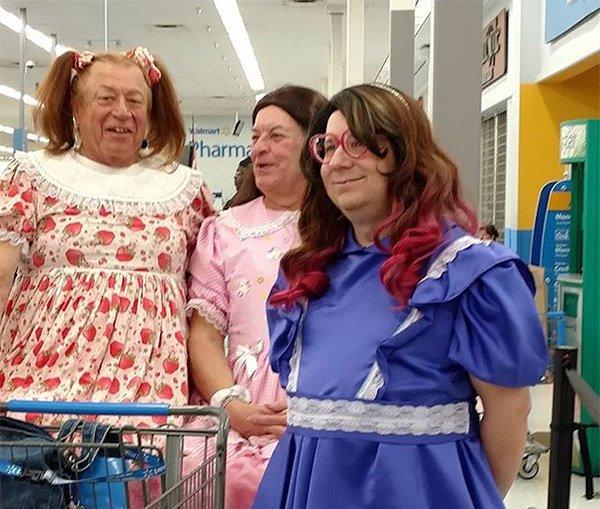 pessoas bizarras no super mercado 20