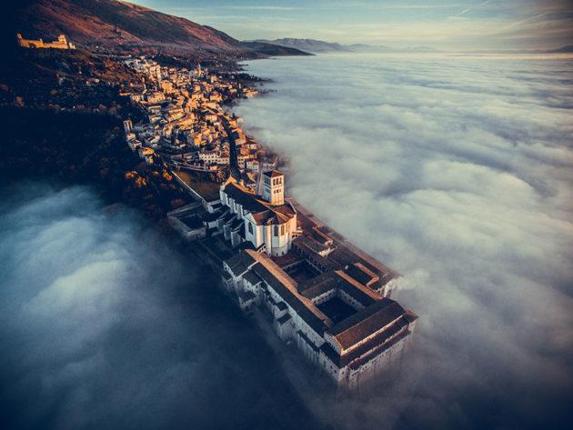 Basílica de São Francisco de Assis - Italia - Foto por: Fcattuto