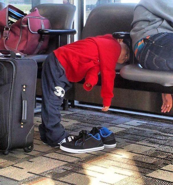 funny-children-sleeping-anywhere-131-57b447a132c7c__605
