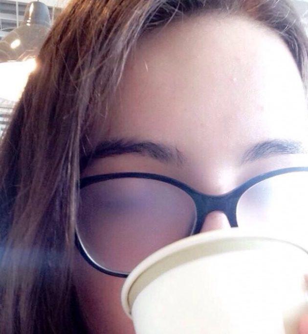 12 Situações bizarras que só quem usa óculos vai entender. Tente não ... 2a620996c7