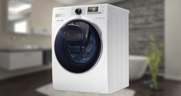 Máquina de lavar pra você inserir roupas no meio do processo.