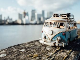 miniature-toy-car-photography-kim-leuenberger-fb1__700-png