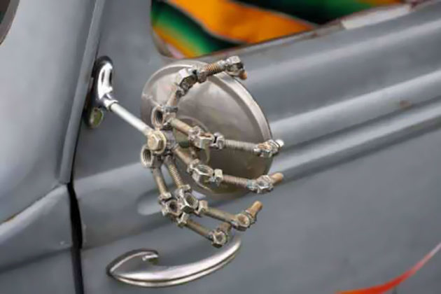 creative-car-owners-37-580716f5adfac__700