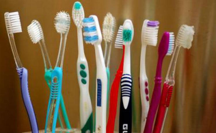 escovas-dentes-750