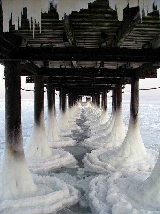 #7 - Pier congelado no Canadá.