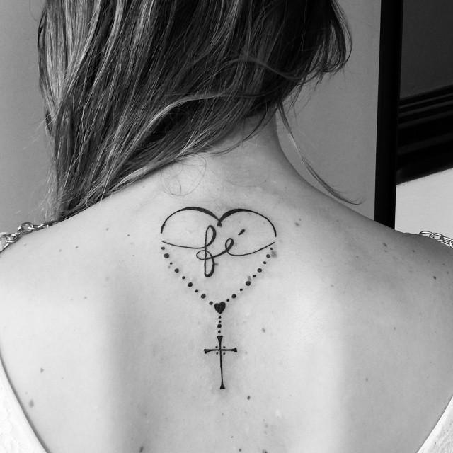 Blog com fotos de tatuagens femininas 97