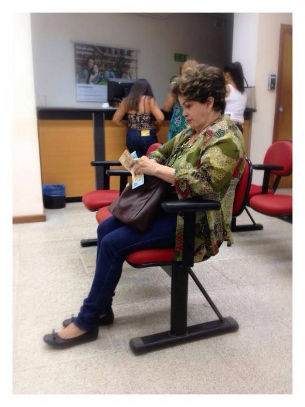 Dilma esperando para ser atendida no Programa Mais médicos