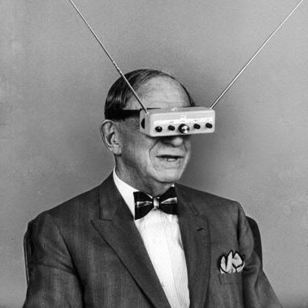 Óculos de televisão em 1963.