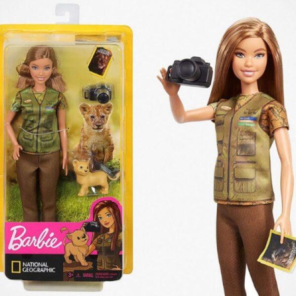 Barbie aventureira capa