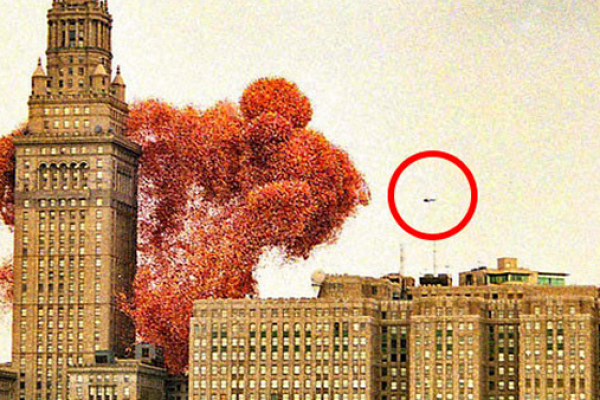 Isso é o que acontece quando 1,5 milhões de balões são soltos ao mesmo tempo.a