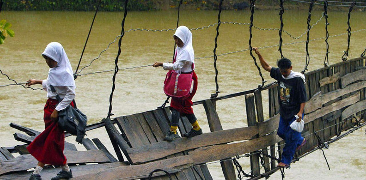 caminhos-para-a-escola-mais-perigosos-8
