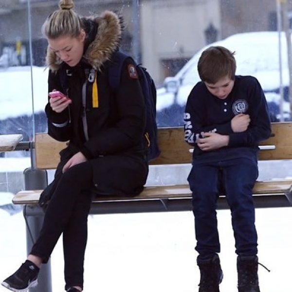 menino-passa-frio-em-campanha-da-noruega