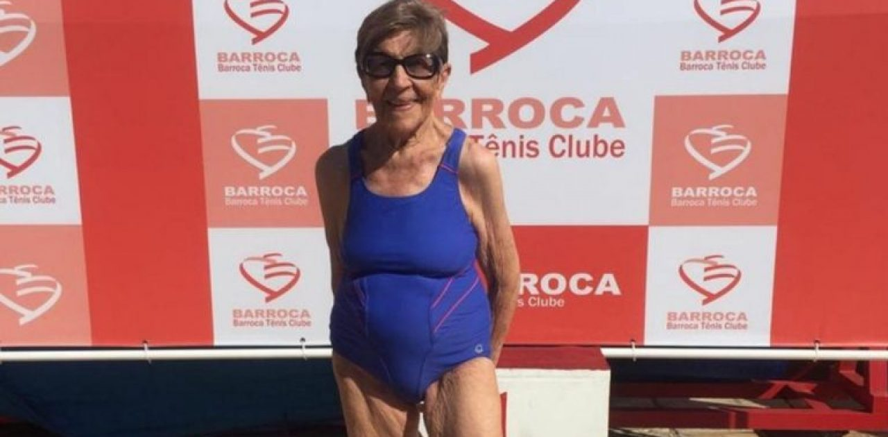 nadadora de 100 anos capa