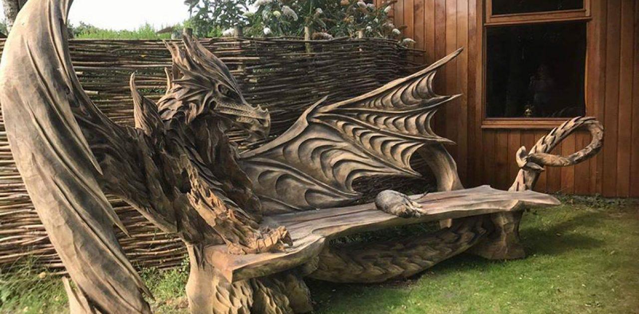 wood-chainsaw-carve-dragon-bench-igor-loskutow-11-59a69ca3cb8f0__880